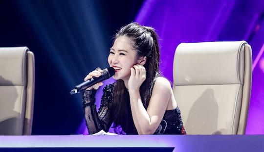 Hương Tràm bất ngờ bị loại khỏi ghế giám khảo
