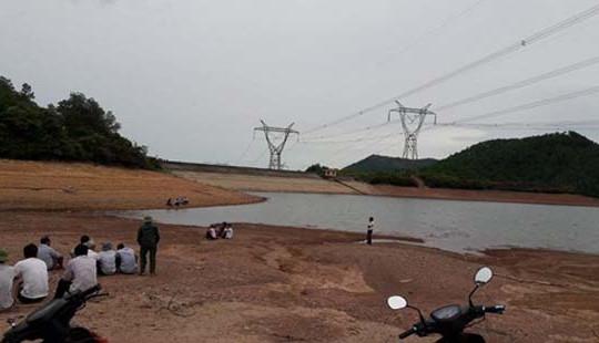 Hà Tĩnh: Hai chị em đuối nước thương tâm khi tắm hồ