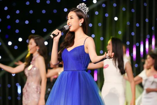 Gala 30 năm HHVN: Bất ngờ giọng hát ngọt ngào của các Hoa hậu