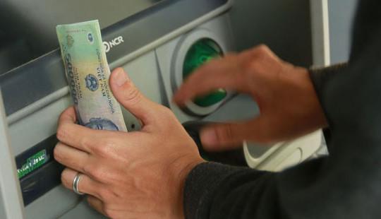NHNN yêu cầu nghiên cứu giảm hạn mức rút tiền vào các thời điểm có nhiều rủi ro