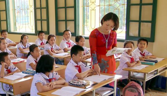Thiếu 76.000 giáo viên cho năm học mới: Vì đâu nên nỗi?