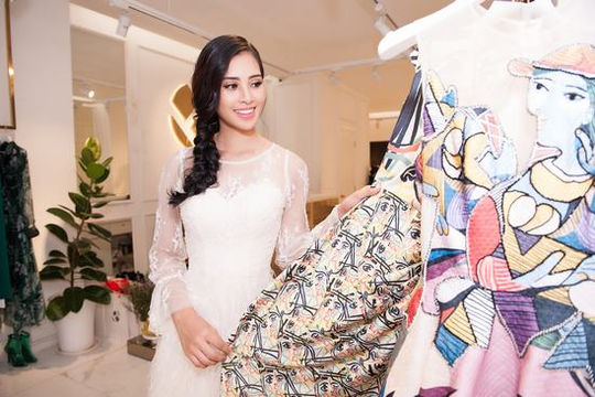 Hoa hậu Trần Tiểu Vy sánh vai với các sao hạng A quốc tế