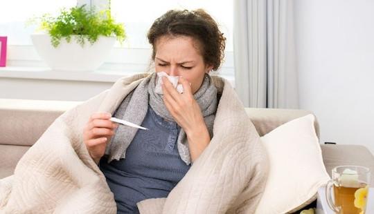 """8 căn bệnh dễ """"tấn công"""" bạn khi thời tiết giao mùa"""