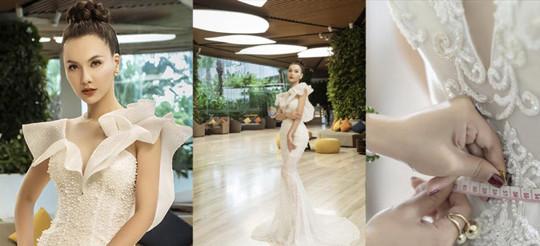 """MC Minh Hà diện váy cưới """"nàng tiên cá"""",  khoe vòng eo 54 cm"""