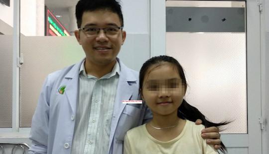 Bé gái Việt mang khối u hiếm chỉ 20 người mắc trên thế giới