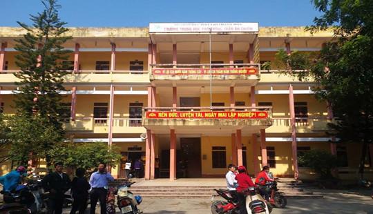 Thanh Hóa: Phụ huynh phản đối giải thể trường THPT Trần Ân Chiêm