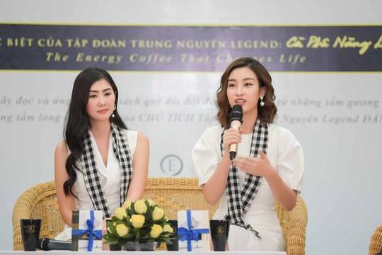 """Hoa hậu Mỹ Linh kể chuyện một mình """"chiến đấu"""" với hai cuộc thi hoa hậu"""