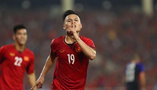 Thắng 2-1, Việt Nam vào chung kết AFF Cup sau 10 năm