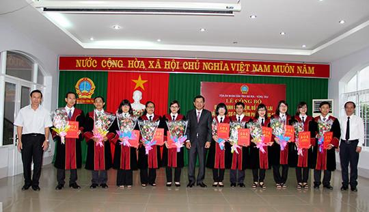 TAND hai cấp tỉnh Bà Rịa-Vũng Tàu: Công bố quyết định bổ nhiệm, bổ nhiệm lại 19 Thẩm phán