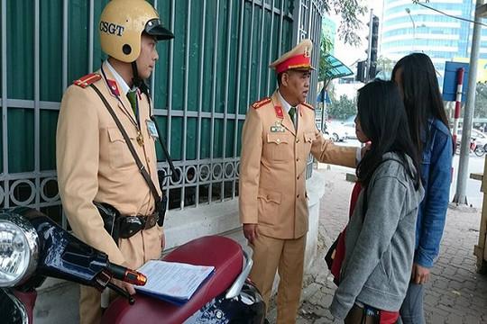 Hà Nội lập 24 tổ công tác phạt người không đội mũ bảo hiểm