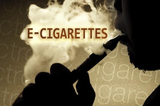 Mỹ: Thiết bị thuốc lá điện tử bất ngờ bốc cháy trên máy bay