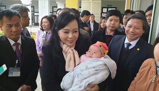 Bộ trưởng Bộ Y tế thị sát công tác tiêm vắc xin ComBE five tại Hà Nội