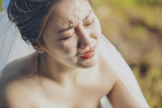 """Văn Mai Hương giải thích về cú lừa gây ám ảnh trong MV """"Cầu Hôn"""""""