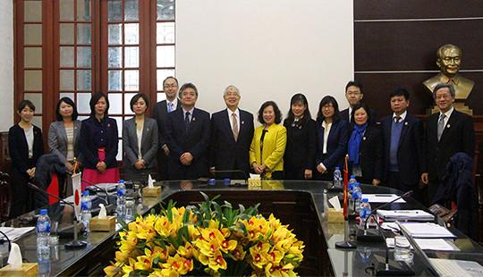 Phó Chánh án TANDTC Nguyễn Thúy Hiền tiếp xã giao Đoàn công tác JICA