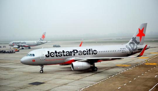 Máy bay quay đầu cấp cứu nữ hành khách bị khó thở