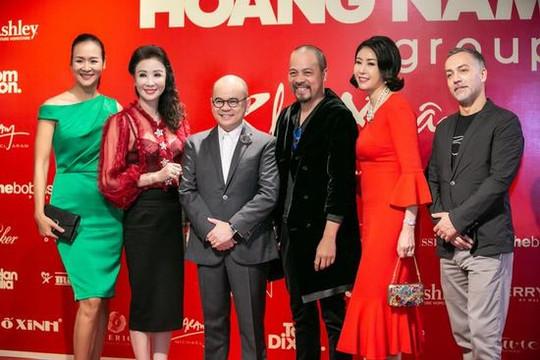 """""""Người phán xử""""-NSND Hoàng Dũng, Hoa hậu Hà Kiều Anh... hội ngộ doanh nhân Dương Quốc Nam"""
