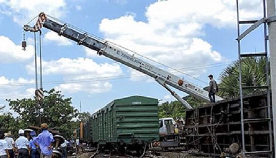 Đường sắt Bắc – Nam thông tuyến trở lại sau sự cố tàu hàng bị lật