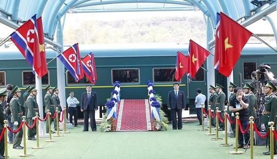 Đoàn tàu bọc thép vào ga Đồng Đăng, chuẩn bị đón Chủ tịch Kim Jong-un về nước