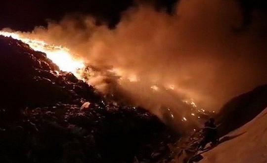 Cháy lớn tại khu xử lý rác lớn nhất tỉnh Bà Rịa-Vũng Tàu