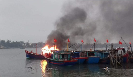 Tìm thấy 2 thi thể trong vụ nổ bình ga trên tàu cá