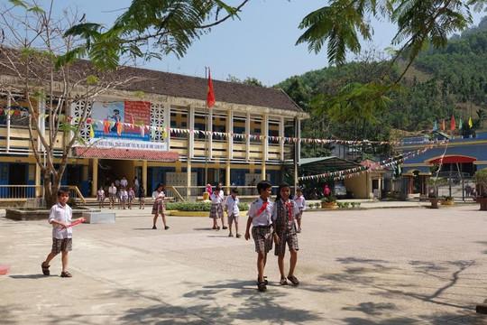 Trường Dân tộc nội trú lắp camera để theo dõi, bảo vệ học sinh