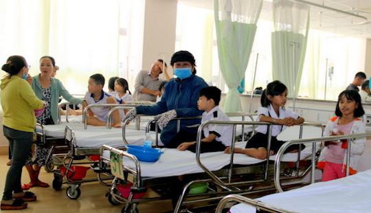 38 học sinh nhập viện sau bữa tiệc sinh nhật