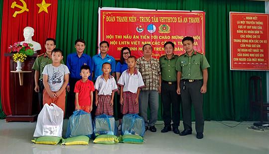 Sôi nổi hoạt động tình nguyện của chi đoàn TAND tỉnh Tây Ninh