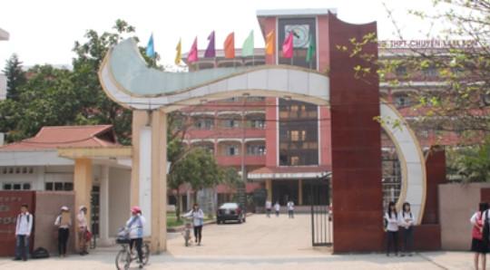 Yêu cầu kiểm điểm, làm rõ trách nhiệm sai phạm tại Trường THPT chuyên Lam Sơn