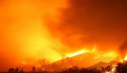 30 lính cứu hỏa Trung Quốc thiệt mạng khi quả cầu lửa bất ngờ bùng phát