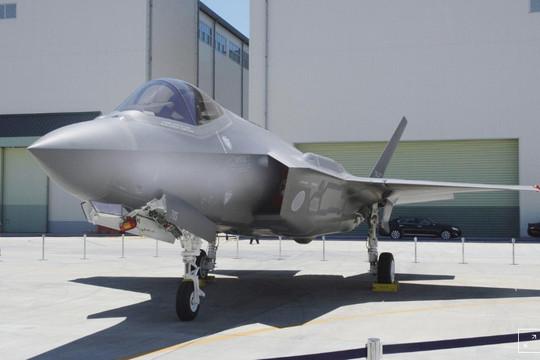 Nhật tìm thấy xác máy bay chiến đấu F-35, phi công vẫn mất tích