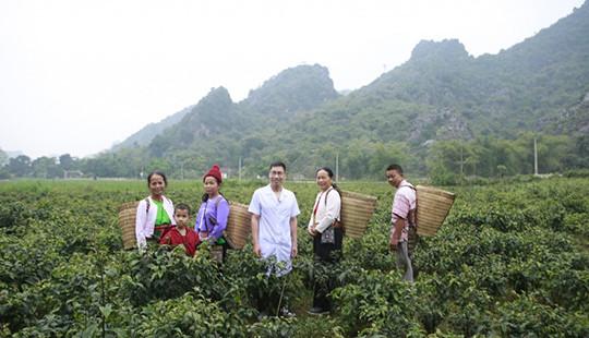 Lương y Hoàng Văn Tuấn- Người mang Đông y Việt vươn tầm thế giới