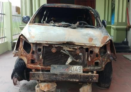 Truy tìm đối tượng lẻn vào nhà đốt xe ô tô