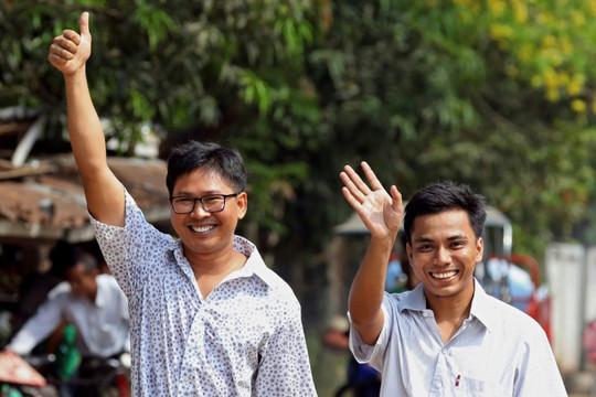 """Myanmar trả tự do cho hai nhà báo đoạt giải Pulitzer sau """"sự phẫn nộ toàn cầu"""""""