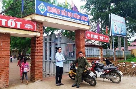 Cô và trò trường Tiểu học Đồng Lương trở lại trường học