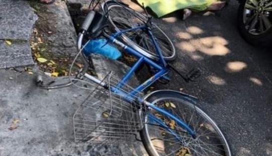 Va chạm với xe ôtô, người đàn ông đi xe đạp tử vong