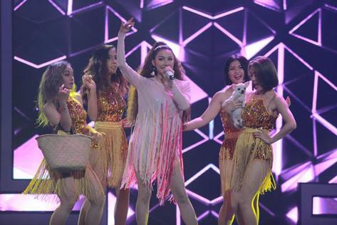 """Yaya Trương Nhi khiến 3 giám khảo """"Trời sinh một cặp"""" lên sân khấu khoe vũ đạo """"cực sung"""""""