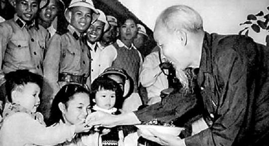 Phong cách ứng xử của Hồ Chí Minh