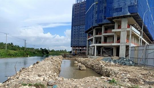 Bình Dương: Dự án Marina Tower thi công sai phép, lấn rạch Thầy Năm