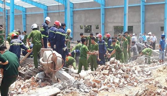 Sự cố sập tường khiến 7 người chết: Nhiều đơn vị có sai phạm