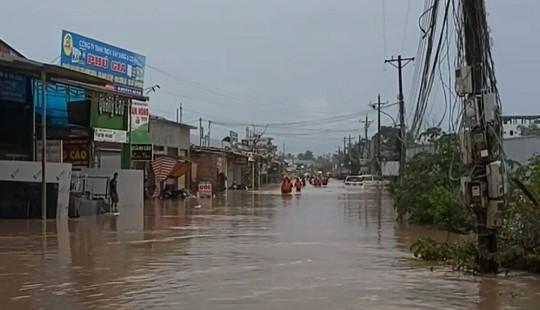 Mưa lớn kéo dài gây ngập úng cục bộ tại đảo Phú Quốc