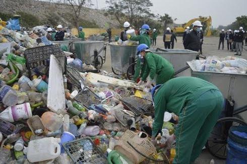 Cần chung tay giải quyết vấn đề rác thải nhựa