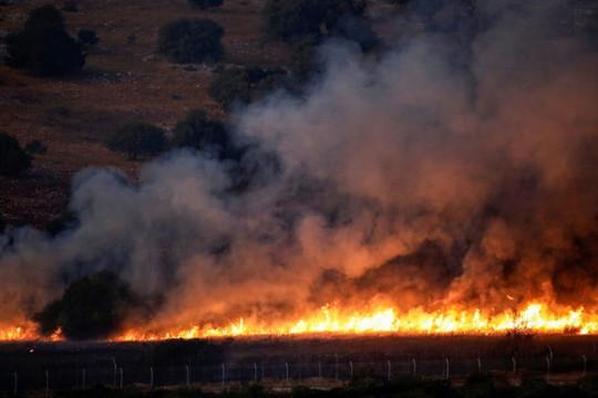 Israel và Hezbollah không kích dữ dội gần biên giới Lebanon