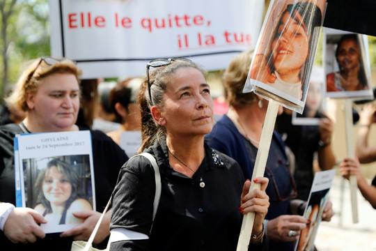 Pháp gặp khó khăn trong ngăn chặn bạo lực gia đình