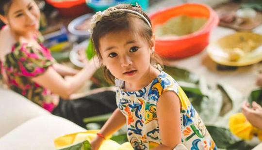 Tan chảy bởi vẻ đẹp và thần thái ngút ngàn của con gái út 4 tuổi của Hoa hậu Hà Kiều Anh