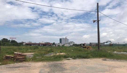 """Bình Dương: Người mua đất hoang mang vì dự án bị """"tuýt còi"""""""