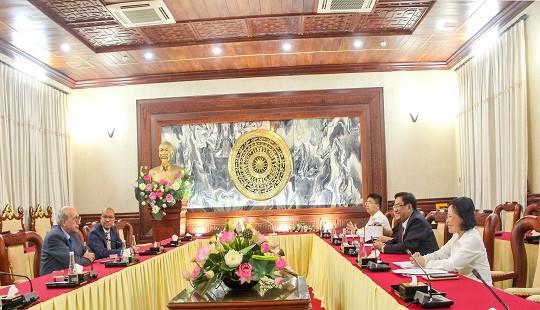 Thẩm phán TANDTC Tống Anh Hào tiếp Chủ tịch Hiệp hội Thẩm phán quốc tế