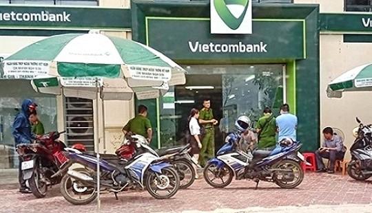 Khởi tố, bắt giam Thượng uý Công an nổ súng tại ngân hàng