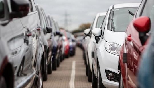TP.HCM: Tăng mức phí đăng ký ô tô lên 20 triệu đồng