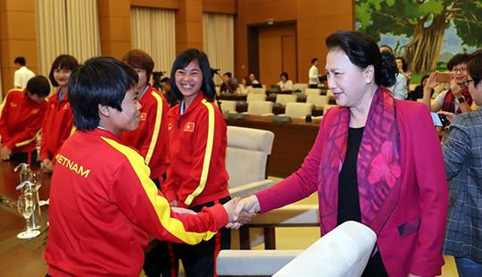 Chủ tịch Quốc hội: Tiềm năng phát triển của bóng đá nữ Việt Nam là rất lớn
