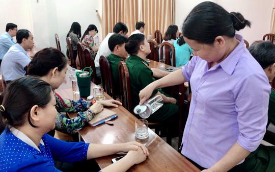 Hà Nội: Không còn cốc nhựa, ống hút nhựa trong công sở